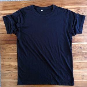 NWOT! Men's Uniqlo Tee Shirt Size Medium